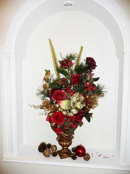 Флористическая новогодняя композиция своими руками